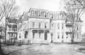 old photo of exterior Saratoga Hospital circa 1895