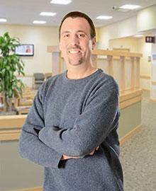 Dr. Daniel Eldredge headshot